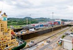 kanalen låser panama transport Arkivfoto