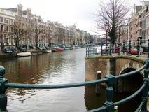 Kanalen van Amsterdam, Holland, Nederland stock foto's