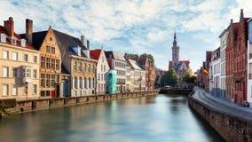 Kanalen van Brugge, België bij zonsondergang royalty-vrije stock foto's