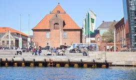 Kanaler är i stadsKöpenhamn Royaltyfri Bild
