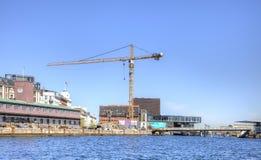Kanaler är i stadsKöpenhamn Arkivfoto