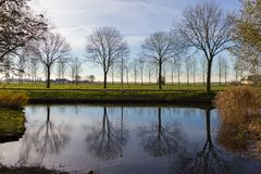 Kanaler av Amstelveen, hösttid Royaltyfri Foto