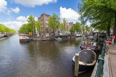 Kanaler av Amsterdam huvudstaden av Nederländerna Arkivbilder