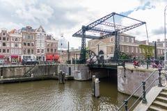 Kanaler av Amsterdam huvudstaden av Nederländerna Royaltyfria Foton