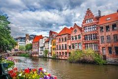 Kanaler av Brugge royaltyfri foto