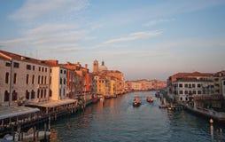 Kanaler och gator av Venedig Arkivbilder
