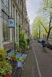 Kanalhus, Amsterdam, Nederländerna Arkivbilder