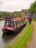 Kanallastkahn festgemacht nahe Blackburn Lizenzfreie Stockfotos