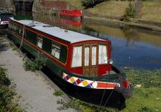 kanalnarrowboats Arkivfoton
