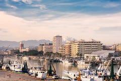 Kanalport på den Pescara floden Abruzzo Royaltyfria Foton