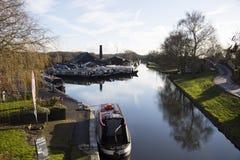 Kanalpråm och byggnader på den Norbury föreningspunkten i Shropshire, Förenade kungariket Fotografering för Bildbyråer
