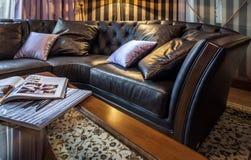 Kanapa w domowym wnętrzu Fotografia Stock
