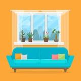Kanapa z poduszkami i okno Zdjęcia Stock