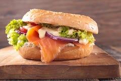 kanapka łososiowa dymiąca Obrazy Royalty Free