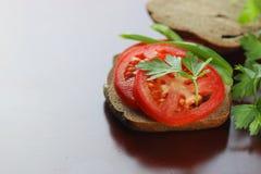 Kanapka pomidorowego kumberlandu chlebowa zieleń zdrowa Obraz Stock