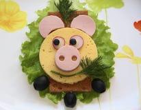 Kanapka - świnia, jedzenie dla dzieci Zdjęcie Royalty Free