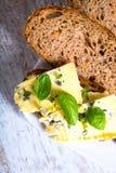 Kanapka z Roquefort serem i ciemnym chlebem Zdjęcia Stock