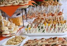 Kanapki i kanapki w przyjęciu Fotografia Stock