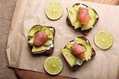 Kanapki z avocado i ryba Obraz Stock