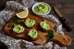 Kanapki z avocado mousse Zdjęcie Stock