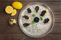 Kanapki z wyśmienicie czarnym kawiorem Fotografia Stock