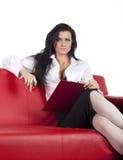 kanapy atrakcyjna płaska czerwona kobieta Zdjęcie Stock