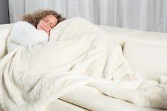 kanapy sypialna kobieta Zdjęcia Royalty Free