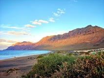 Kanarie vulkanisch strand stock afbeeldingen