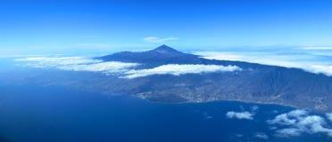 Kanariefågelön av Tenerife den flyg- sikten. Royaltyfri Foto