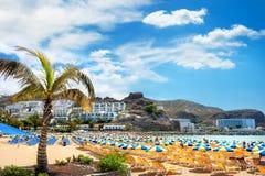 Kanarietoevlucht, het strand van Puerto Rico stock fotografie