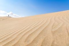 Kanarische Inseln, Maspalomas spanien Jobstepps im Sand, der zum Horizont ausdehnt Lizenzfreies Stockfoto
