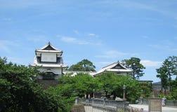 Kanazawa-Schlosseingang und -brücke Stockfotos
