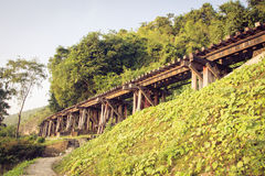 Kanchanaburi del puente ferroviario tailandia Imágenes de archivo libres de regalías