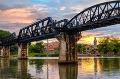 Kanchanaburi (Tailândia), ponte no rio Kwai fotos de stock