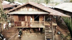 Kanchanaburi Tajlandia, Kwiecień, - 09 2014: Tradycyjny Tajlandzki dom Zdjęcie Stock