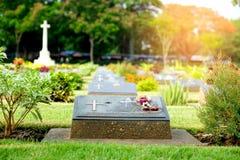 KANCHANABURI, TAJLANDIA - May, 2017: Militarna koalicyjna grobowcowa etykietka Zdjęcia Stock