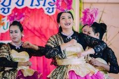 KANCHANABURI TAJLANDIA, WRZESIEŃ - 28: Unidentiffied kobiety te zdjęcie royalty free