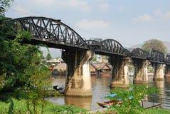 Kanchanaburi, Thaïlande : Passerelle sur le fleuve Kwai Photographie stock libre de droits