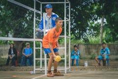 KANCHANABURI THAILAND - JULI 18: Oidentifierad studentplayin arkivbilder