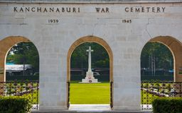 Kanchanaburi, Thailand - 7. November 2015: Historische Monumente Kriegs-Kirchhof-Don Raks von verb?ndeten Gefangenen des Zweiten  stockbild