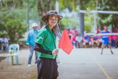 KANCHANABURI THAILAND - OKTOBER 3: Oidentifierade volleybolllinjer royaltyfri foto