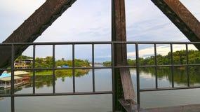Kanchanaburi Thailand - på dödjärnvägsbron Arkivfoto
