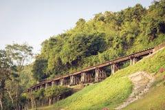 Kanchanaburi van de spoorwegbrug thailand Stock Afbeeldingen