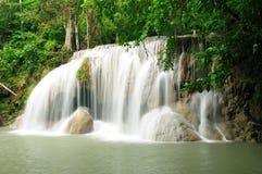 kanchanaburithailand vattenfall arkivfoto