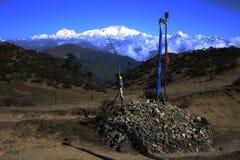 Kanchenjunga e bandierine India di nordest di preghiera Fotografia Stock Libera da Diritti