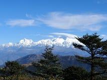 Kanchenjunga poderoso do sono buddha do sandakphu bengal ocidental india em manhãs do inverno fotos de stock royalty free