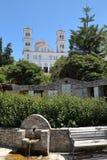 KANDANOS, CRETA - 23 DE MAIO DE 2014: A igreja principal de Kandanos na parte ocidental da Creta Fotos de Stock