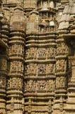 KANDARIYA MAHADEV świątynia, południe ściana erotyk rzeźby, western grupa, Khajuraho, Madhya Pradesh, UNESCO - Mandapa i sanktuar obrazy stock