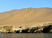 Kandelaber den Paracas halvön, Peru Arkivfoto