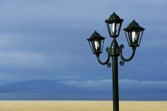 Kandelabry na plaży w Grecja Zdjęcia Stock